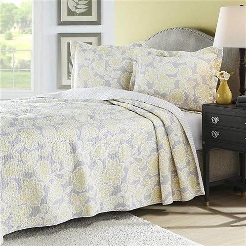 Home > Bedroom > Quilts & Blankets > Full / Queen 3 Piece Lightweight Floral