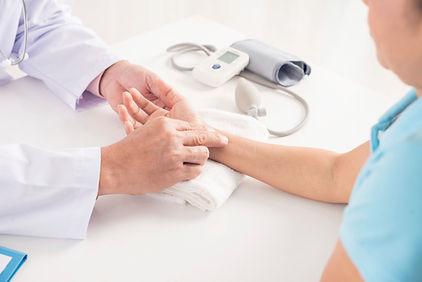 Хорошие отзывы о лечении у детского или взрослого лор врача связаны со вниманием, которое он уделяет сопутствующим заболеваниям.