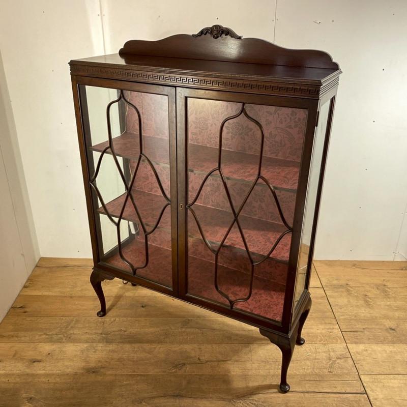 キャビネット(1920年代)のご紹介|英国アンティークの家具なら鎌倉アンティークス