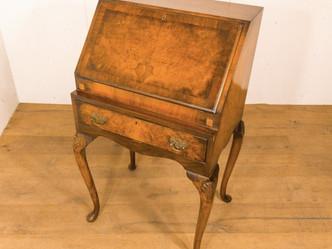 スモールライティングビューロー|英国ビンテージの家具なら鎌倉アンティークス
