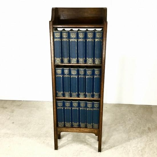 チャールズ・ディケンズの洋書とブックケースのセット