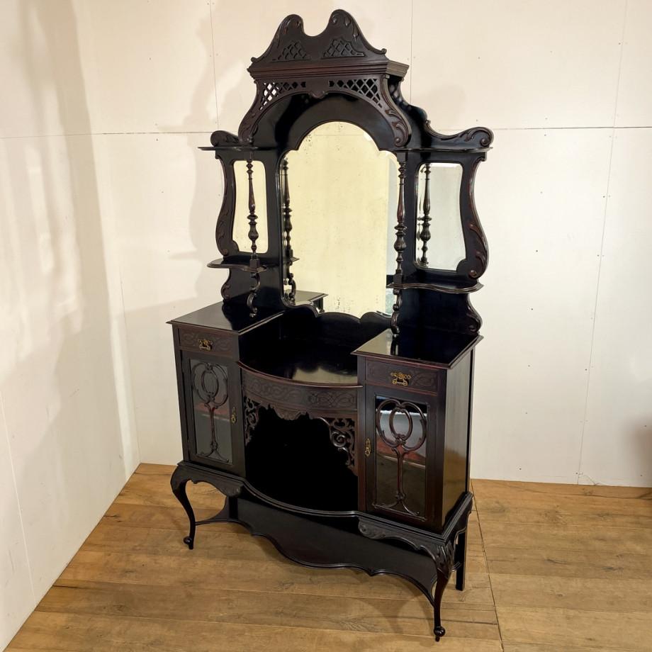 パーラーキャビネット(1880年代)のご紹介|英国アンティークの家具なら鎌倉アンティークス