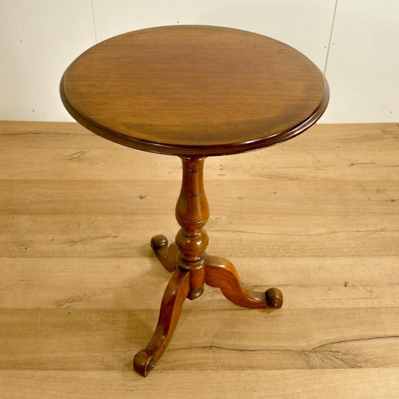 ビクトリアン トライポッドテーブル