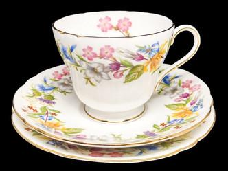 トリオカップ(Shelley)のご紹介|英国ビンテージのティーカップなら鎌倉アンティークス