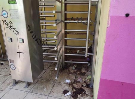 """Así tiene """"Toño Gaspar"""" los baños de la Alameda 🚽 en plena contingencia de Salud 😷."""