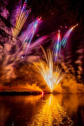 191105_Lions_Fireworks-0882.jpg