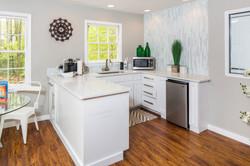 the-kenzie-apartment-homes-apartments-for-rent-birmingham-al-35242-clubhouse-kitchen (2).jpg