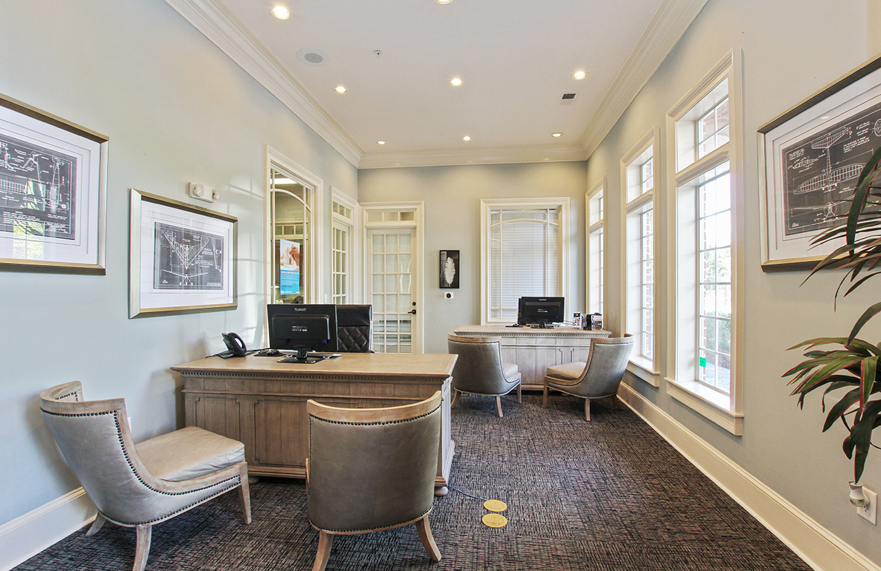 the-artisan-luxury-apartment-homes-apartments-for-rent-atlanta-ga-30341-leasing-desks.jpg