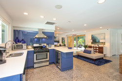 the-addison-at-sandy-springs-apartments-for-rent-sandy-springs-ga-30350-clubhouse-kitchen.jpg