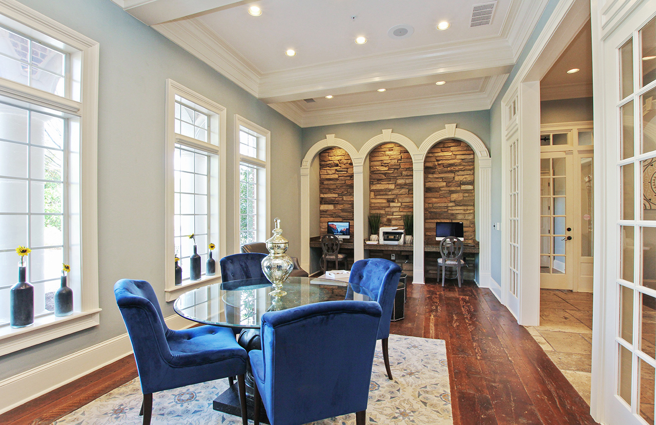 the-artisan-luxury-apartment-homes-apartments-for-rent-atlanta-ga-30341-business-center.jpg