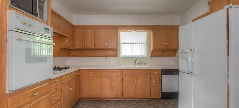 KitchenBefore1.jpg