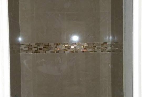 Bathtub Tile & Decorative Border