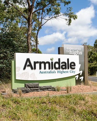 armidale-town-entry-statement-danthonia.