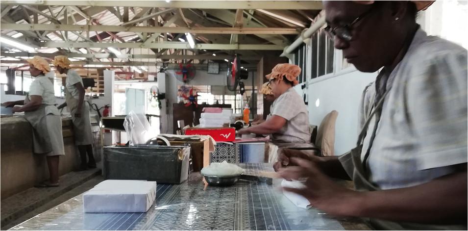 Jour 1 / biscuiterie Rault à Mahébourg