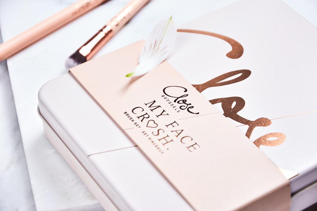 Close---Close-up-Giftbox.jpg