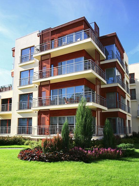 Nowoczesny dom apartamentowy