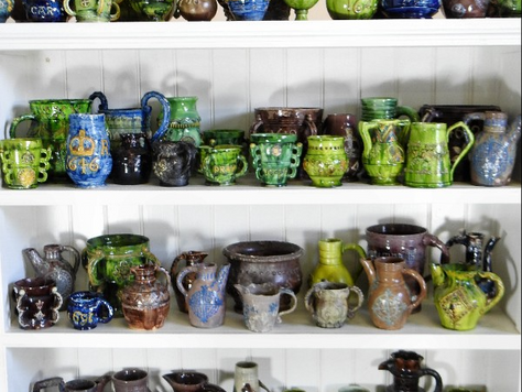 Castle Hedingham pottery collection sells for £3,100