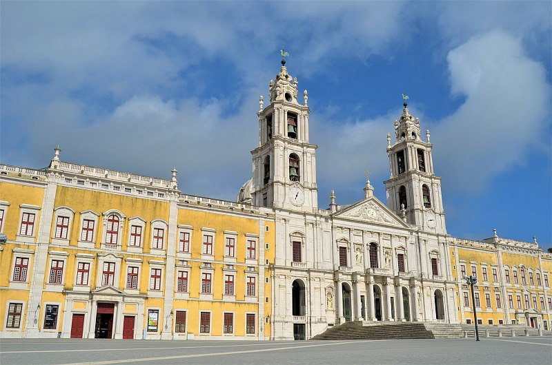 Mafra convent palace.jpg