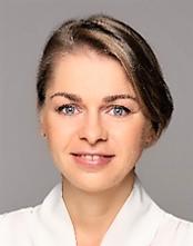 ALICJA KACPRZAK Headshot COPY.png
