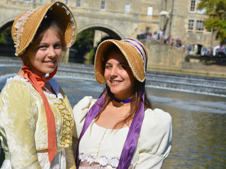 Regency-costumed Jane Austen fans descend on Bath