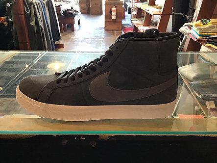 Nike SB Blazer Mid Off Noir/Iron Grey 864349-006