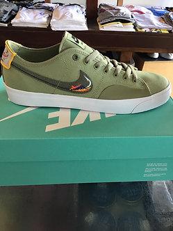 Nike SB BLZR Court DVDL CZ5605300