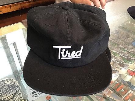 Tired script hat - black