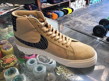 Nike SB Zoom Blazer Mid PRM CT0715 200