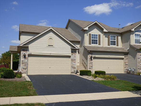 New Townhome Exteriors in Aurora IL