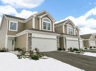 Townhomes for sale in Aurora Illinois with snow on the ground