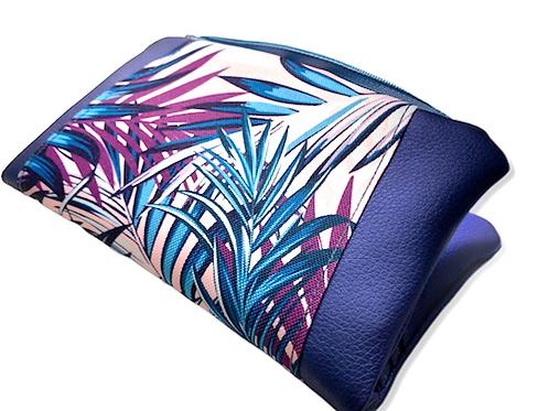 Un portefeuille bleu métallique & palmiers