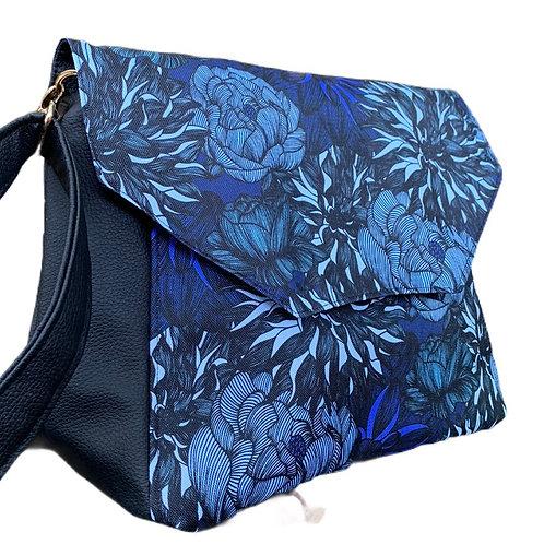 Un sac rabat noir & bleu