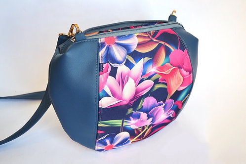 un sac MINI DEMI LUNE bleu & fleurs fuschia