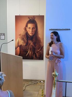 Nadine Ottenbreit bei Ihrer Vernissage 2019