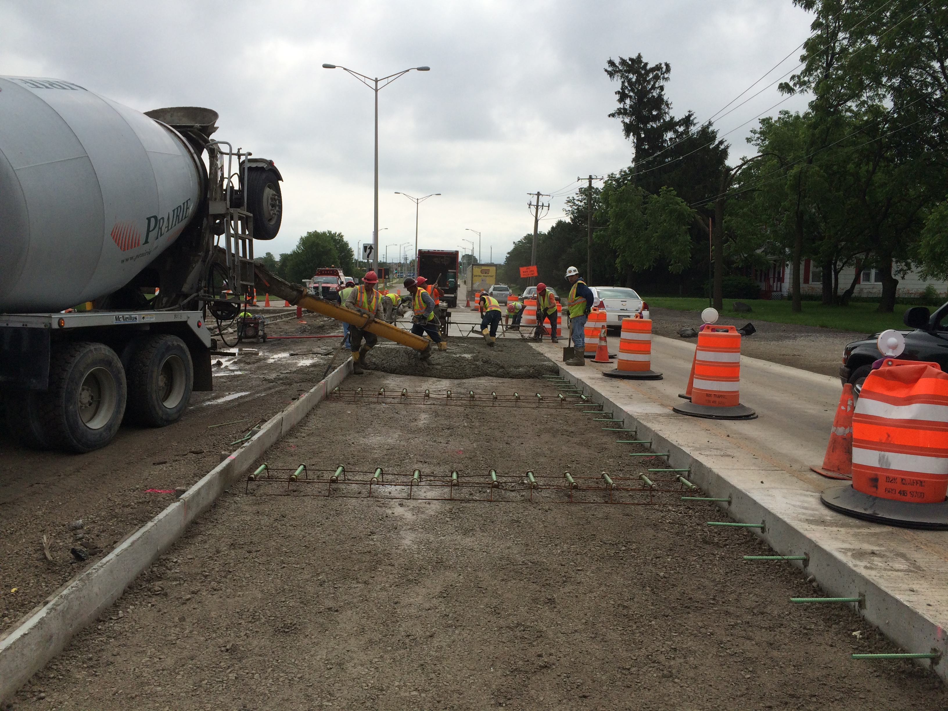 Concrete placement for new lanes at east end of project
