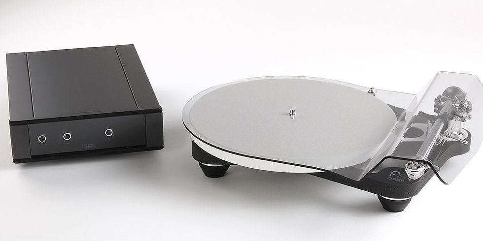 REGA Planar P10 Plattenspieler mit P10 PSU