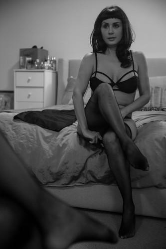 woman-stockings-black-and-white-boudoir.jpg