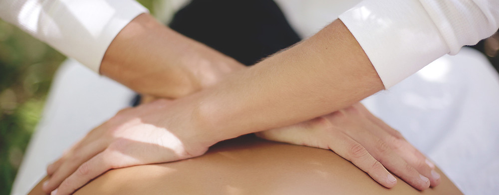 Therapy options for SI joint pain include chiropractic care and remedial massage. Getting your SI joint back into place and getting the muscles around the sacrum in balance are both important. Fulcrum Myotherapy in Aberdeenshire can help return your muscles to balance with remedial massage.