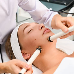 Advanced Acne Microcurrent Facial