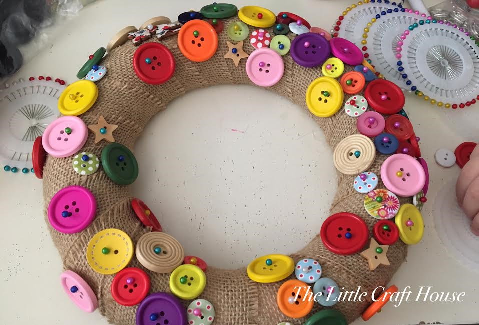Fill in the gaps of the Button Wreath