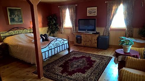 Hele-rommet-i-brita-suiten.jpg