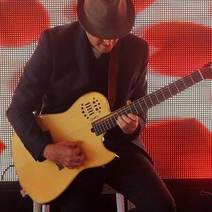 הגיטרה שרה יניב שחורי