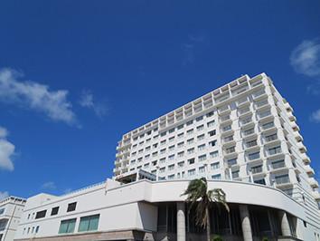 ホテルアトールエメラルド外観_min.jpg