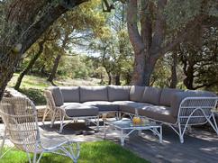 Maisondegeyter lounge outdoor.jpg