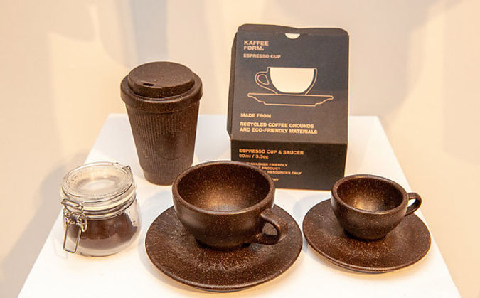 Tassen-aus-Kaffeesatz.jpg