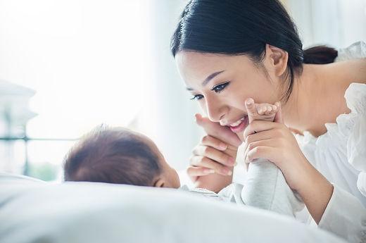 baby massage.jpeg