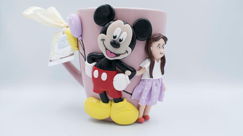 Cană Mickey Mouse și figurină