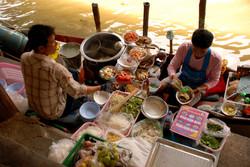 Marché_flottant_Thaïlande.JPG
