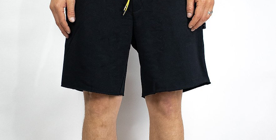 IVOQUÉ - Shorts Black / Yellow