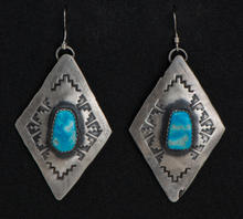 Earrings2-016-9.jpg